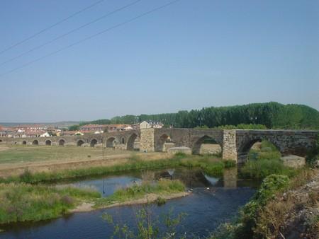 Puente del Hospital de Orbigo en el Camino de Santiago